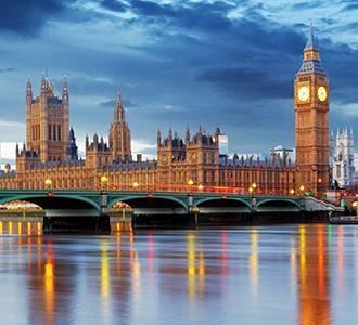 Photo of Westminster Bridge, London.